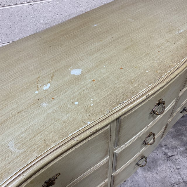 Vintage French Provincial 9 Drawer Dresser For Sale In Richmond - Image 6 of 13