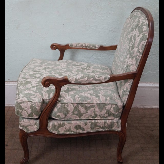 Ethan Allen Ethan Allen Louis XV Chaise Lounge & Ottoman For Sale - Image 4 of 7