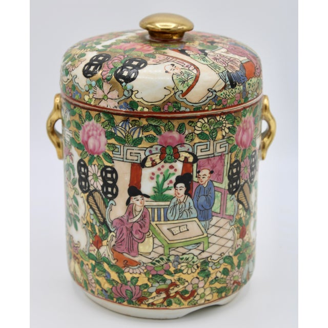 18th Century Chinese Rose Medallion Porcelain Lidded Jar For Sale - Image 11 of 12
