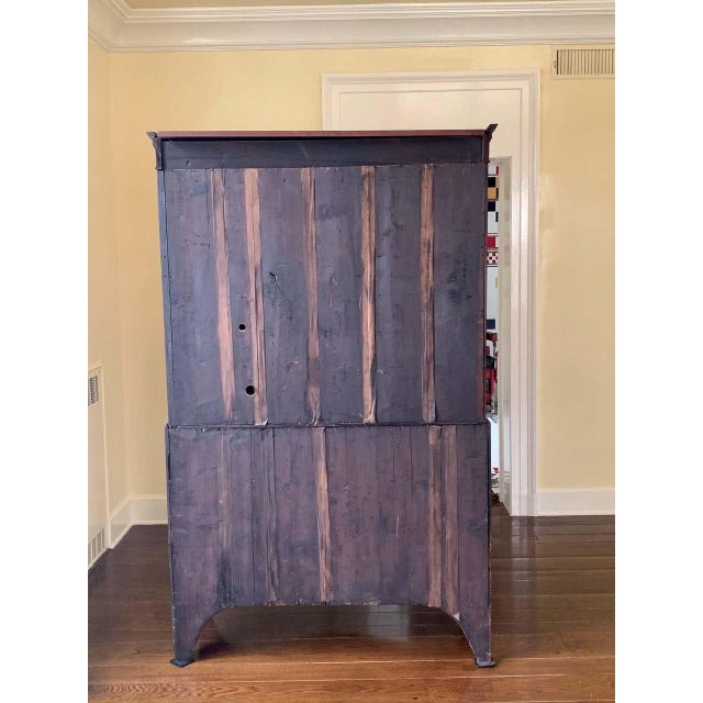 American Bow Front Linen Press For Sale In New York - Image 6 of 11
