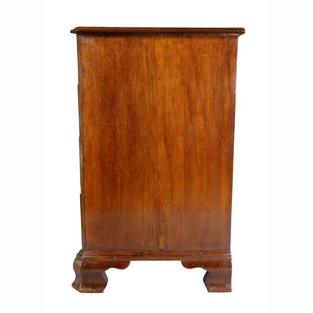 Fine George III Mahogany Serpentine Chest of Drawers For Sale - Image 9 of 11