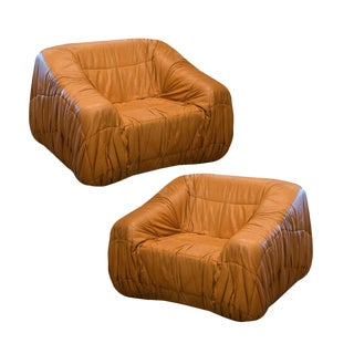 Pair of Piumino Leather Lounge Chairs, Italy, 1970 For Sale