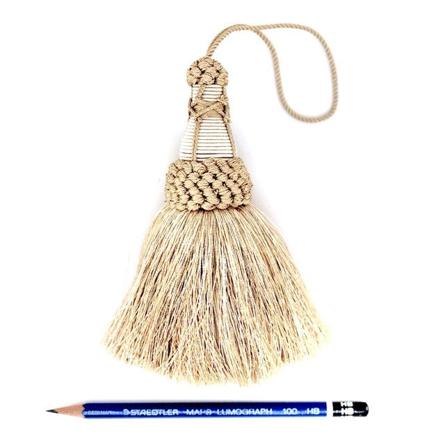 """Champagne and White Key Tassels With Cut Ruche Trim - Tassel Height 5.75"""" For Sale - Image 4 of 11"""