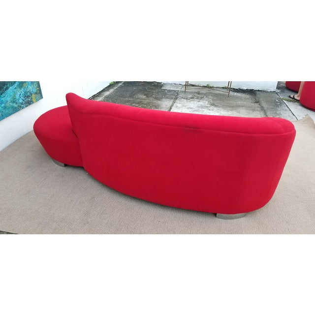 Vladimir Kagan Red Velvet Serpentine Sofa . For Sale - Image 10 of 13