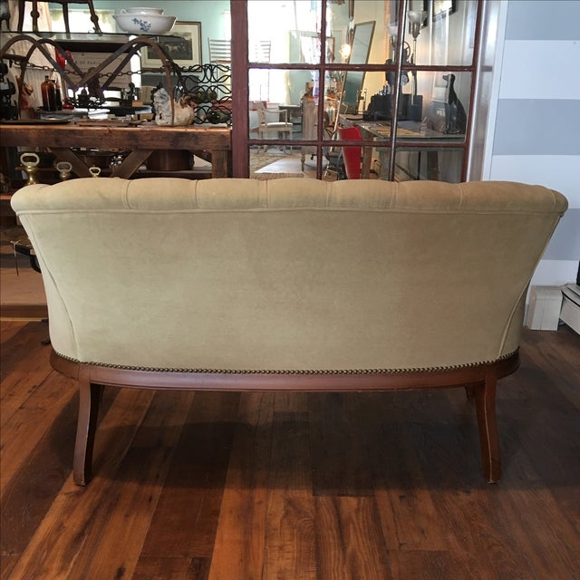 French Taupe Velvet Tufted Settee - Image 6 of 6
