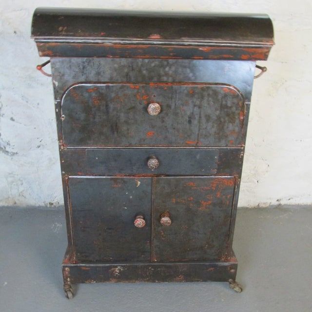 1910s Antique Riveted Steel Campaign Style Vanity and Wash Basin For Sale - Image 5 of 13