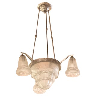 Classic French Degue Art Deco Chandelier With Tulip Glass For Sale