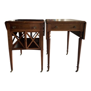 Pair of Federal Style Drop Leaf Side Tables For Sale