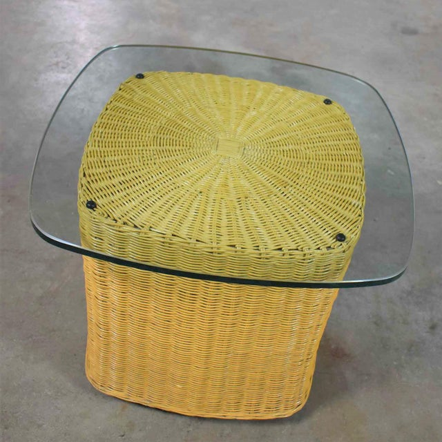 Wicker Rattan Wicker Organic Modern Side Table With Thick Glass Top For Sale - Image 7 of 13