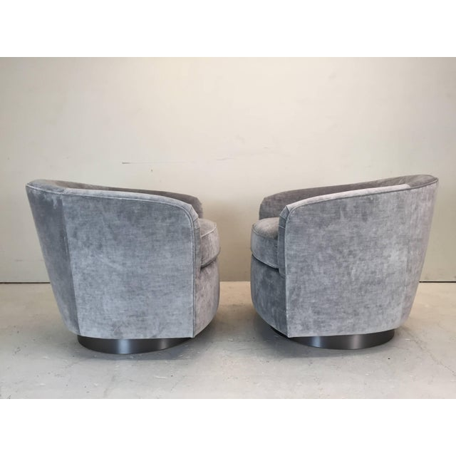 Not Yet Made - Made To Order Pair Milo Baughman Style Swivel Chairs For Sale - Image 5 of 9