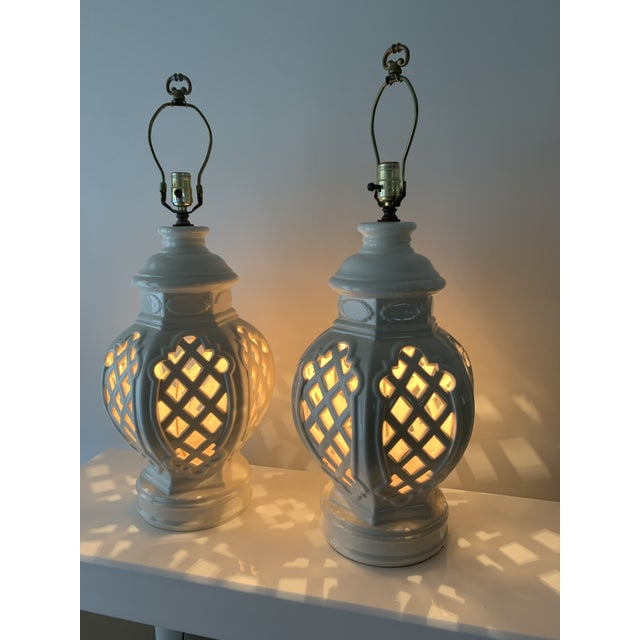 Vintage Chinoiserie Ginger Jar Lamps - a Pair For Sale - Image 11 of 13