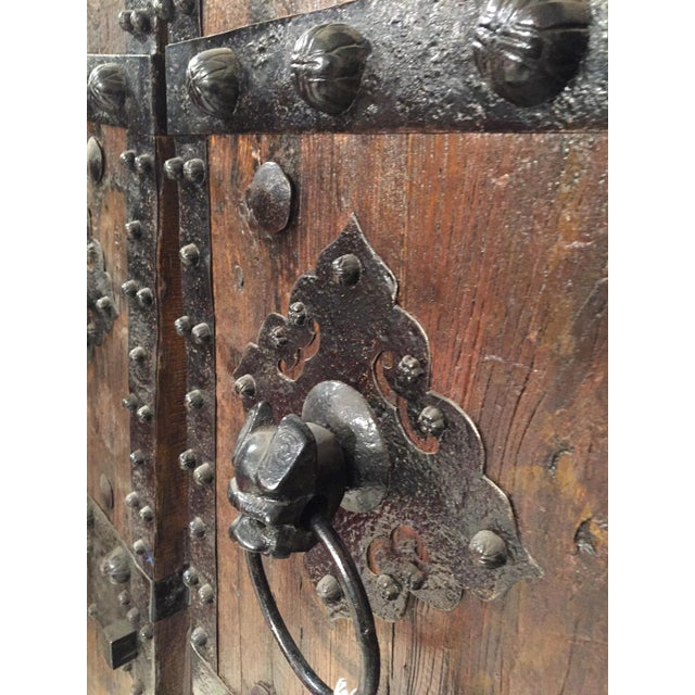 1900s Chinese Antique Doors - A Pair For Sale - Image 5 of 7 - Chinese Antique Doors - A Pair Chairish