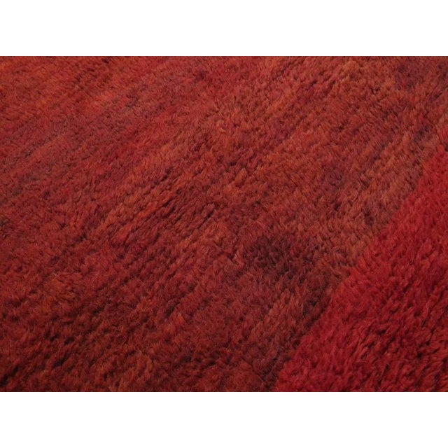 Red Beni Mguild Moroccan Berber Rug For Sale In New York - Image 6 of 9