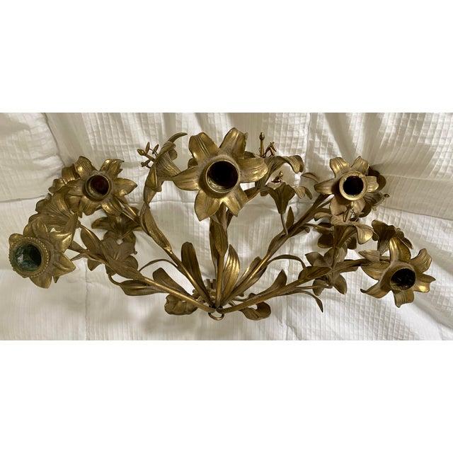 1950s Vintage Hollywood Regency Lily Brass Wall Sconce Candelabra For Sale - Image 4 of 6