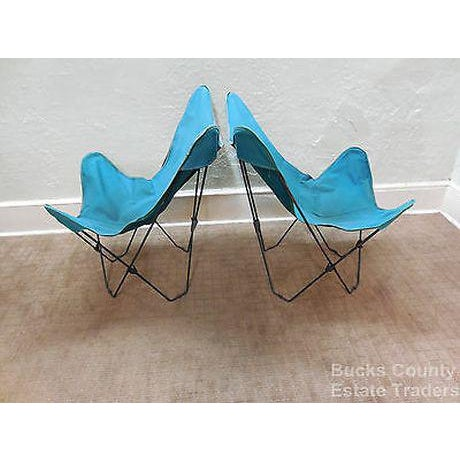 Blue Mid Century Modern Pair of Folding Iron & Canvas Butterfly Chairs For Sale - Image 8 of 13