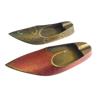 Vintage Mid Century India Cast Brass Incised Enamel Shoes Incense Burner Ashtrays - Set of 2 For Sale