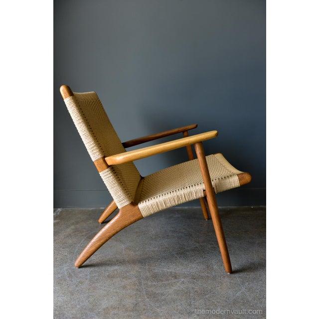 Mid-Century Modern 1950s Vintage Hans Wegner for Carl Hansen & Son Ch 25 Lounge Chair For Sale - Image 3 of 12