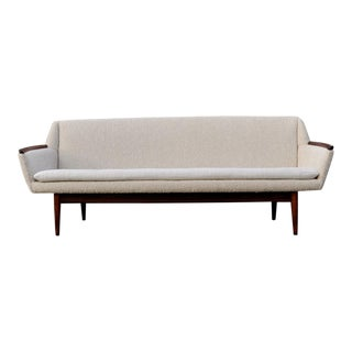 1960s Danish Brazilian Rosewood Oval Sofa For Sale