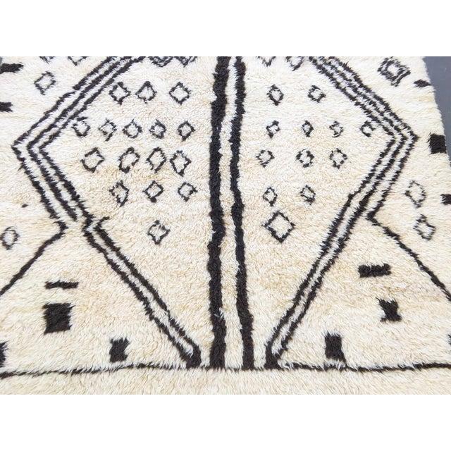 Vintage Moroccan Rug - 4′4″ × 6′8″ - Image 6 of 6