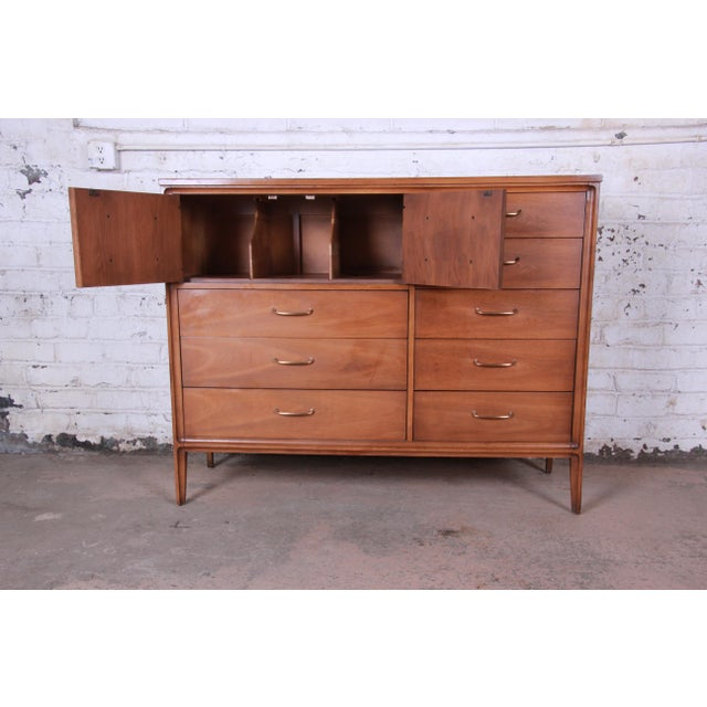 Broyhill Broyhill Premier Mid-Century Modern Magna Gentleman's Chest For Sale - Image 4 of 12