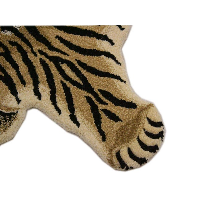 Contemporary Decorate Wild Animal Design Handcuffed Area Rug- 3′ × 5′ For Sale - Image 4 of 9