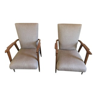 Vintage Mid Century Deck Chairs- A Pair For Sale