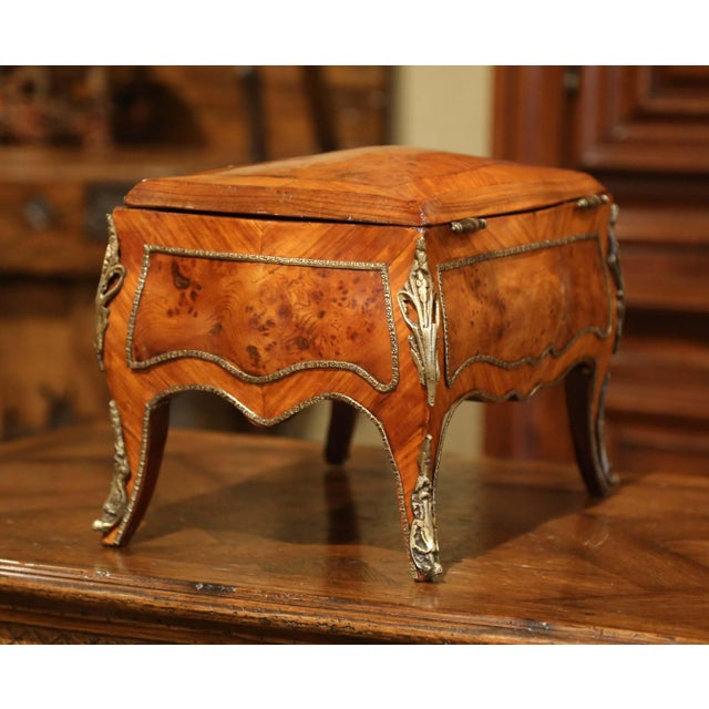 19th Century French Louis XV Bombe Walnut and Burl Jewelry Box With Bronze Mount For Sale - Image 11 of 13