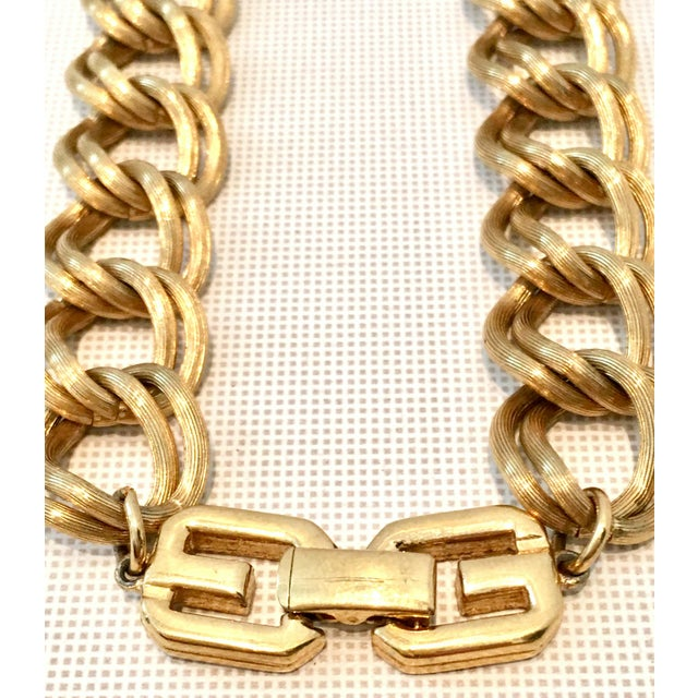 """Givenchy 20th Century Givenchy Gold """"Gg"""" Logo Double Chain Link Choker Necklace For Sale - Image 4 of 7"""