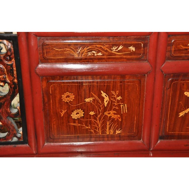 Asian Antique Qing Dynasty Gilt Decorated Red Lacquered Opium Bed With Inlaid Panels For Sale - Image 3 of 11