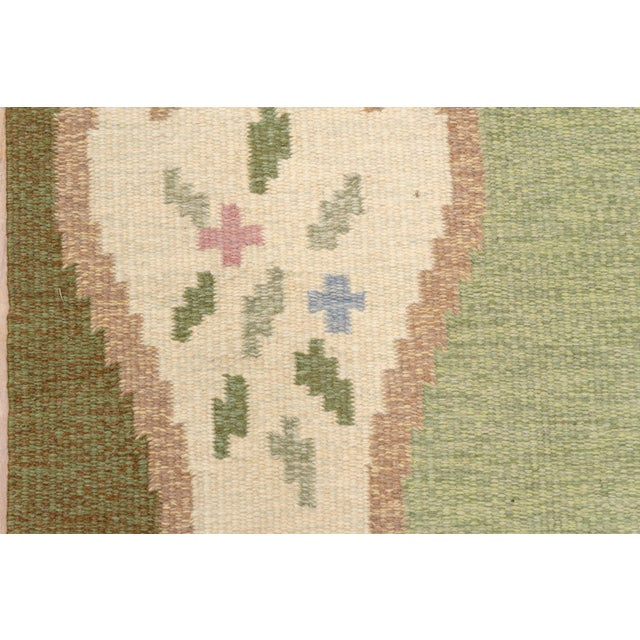 Scandinavian Flatweave Rollaken Rug, Open Green Field For Sale In New York - Image 6 of 8