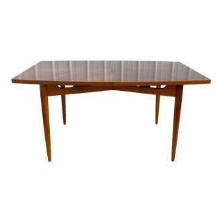 Mid-Century Modern Dining Room Table With Leaves by American of Martinsville For Sale