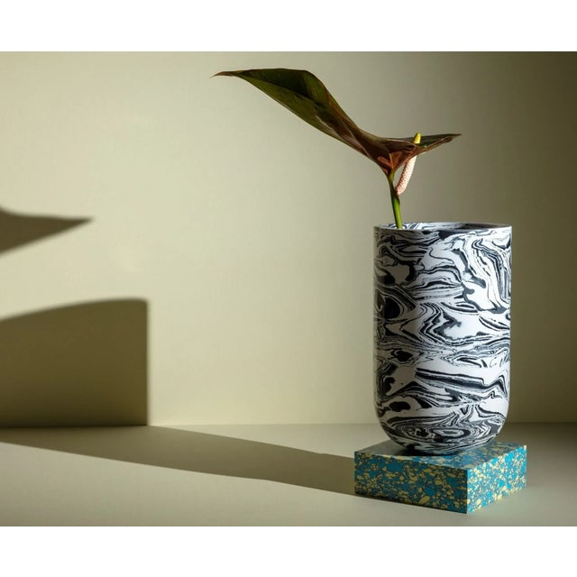 Japanese Tom Dixon Swirl Vase on a Blue Base For Sale - Image 3 of 7
