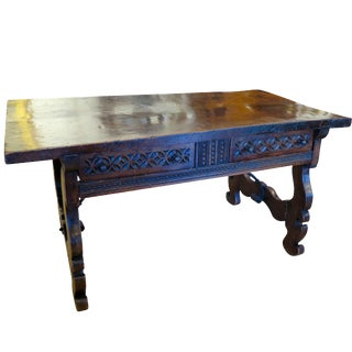 Excellent 17th Century Spanish Walnut Console Table For Sale