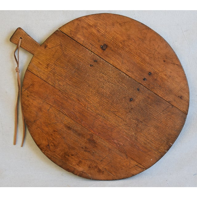 Early 20th Century Antique French Pine Charcuterie Bread Cheese Serving Tray Board For Sale - Image 5 of 9