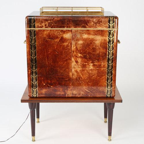 Mid-Century Modern 1950S ALDO TURA GOATSKIN BAR CABINET WITH SERVING TRAY For Sale - Image 3 of 10