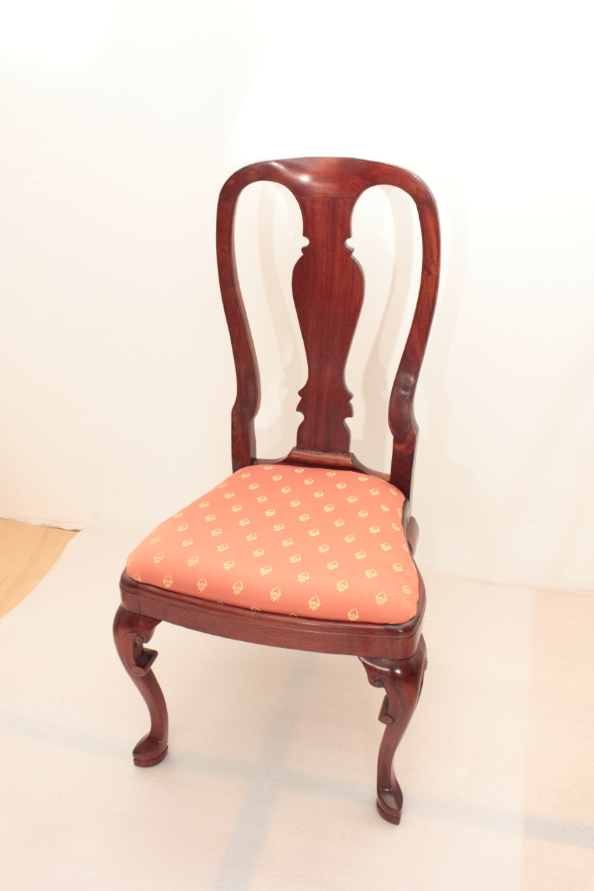 Queen Anne Accent Chair   Image 2 Of 5