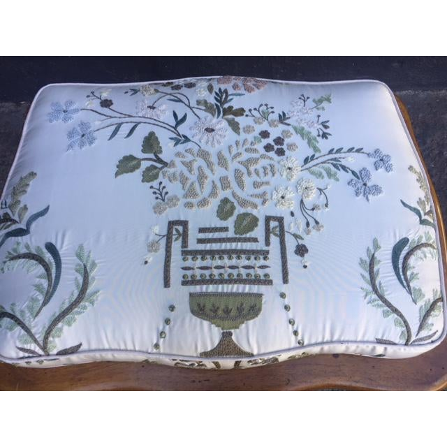 French Vintage Walnut French Provincial Bench With Embroidered Upholstery For Sale - Image 3 of 10