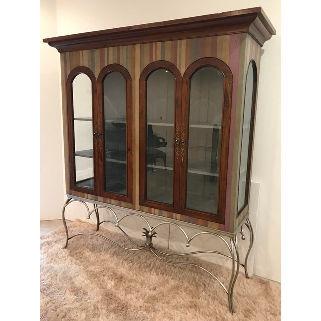 Traditional 20th Century Traditional Guildmaster Mahogany Striped Curio/China Cabinet For Sale - Image 3 of 13