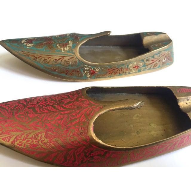 Asian Vintage Mid Century India Cast Brass Incised Enamel Shoes Incense Burner Ashtrays - Set of 2 For Sale - Image 3 of 13