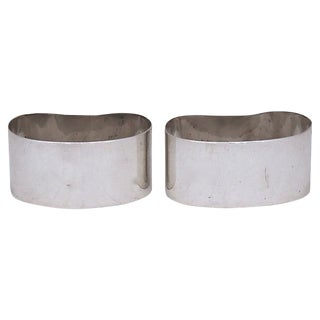 Walker & Hall Sterling Silver Napkin Rings - a Pair For Sale