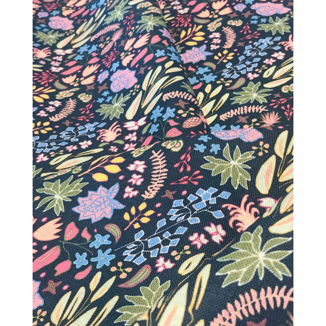Inspired by tight, floral prints from the 80's — Cambridge is our own fresh and fun interpretation. From the Avenue II...