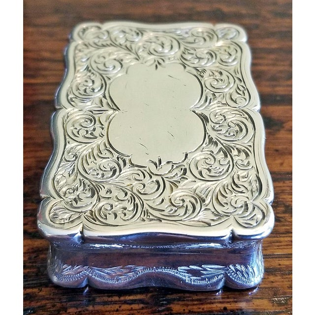 Traditional 19c Sterling Silver Snuffbox Birmingham 1848 by Rolason Bros For Sale - Image 3 of 13