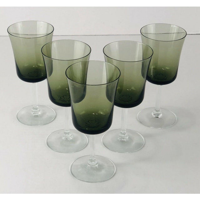 """Set of 5 Vintage Fostoria Glamour Green Tulip Wine / Water Stems Measures: 2.5""""Dia x 5.5""""H Condition: Excellent condition!"""