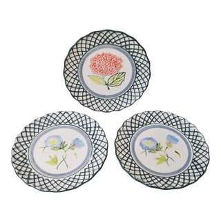 20th Century Traditional Decorative Flower Dessert Plates - Set of 3