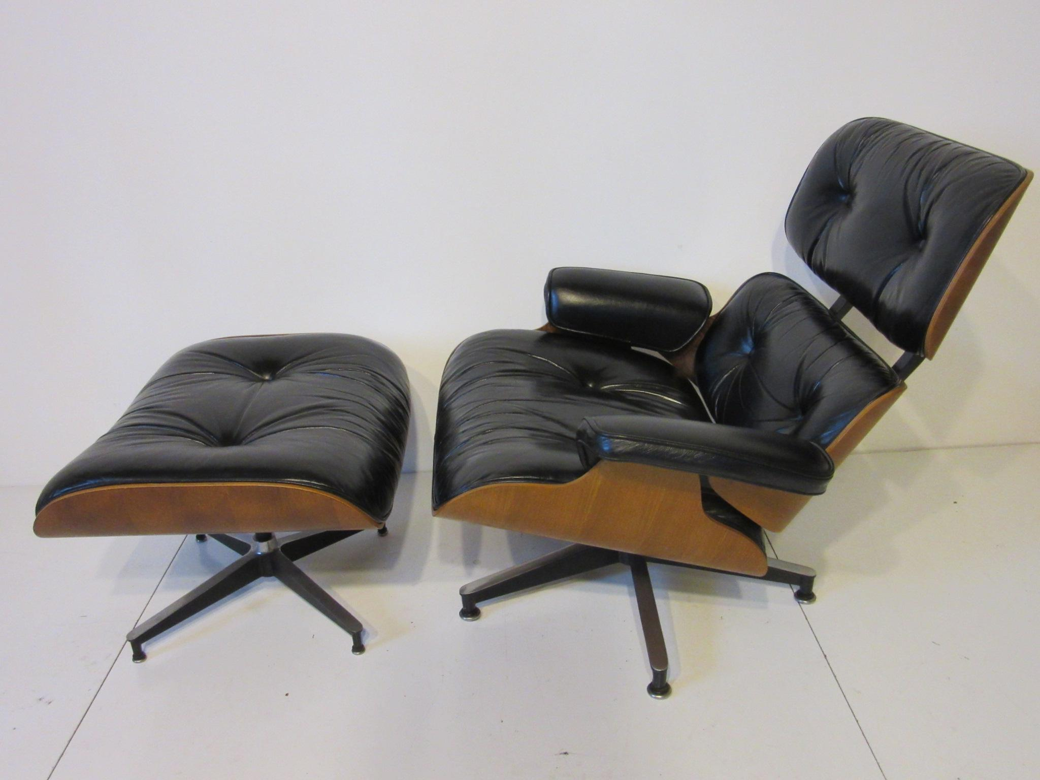 Beau Mid Century Modern Eames 670 Lounge Chair And Ottoman By Herman Miller For  Sale