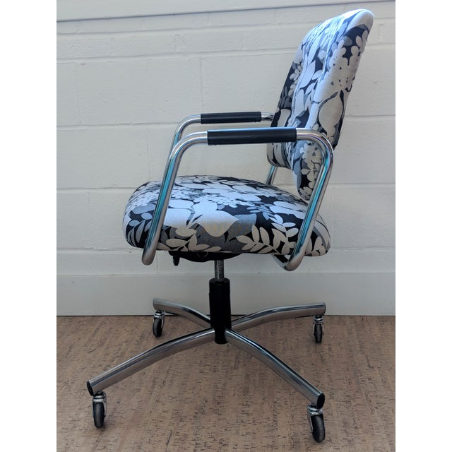 contemporary steelcase office chair restored for sale image 3 of 11 - Steelcase Office Chairs