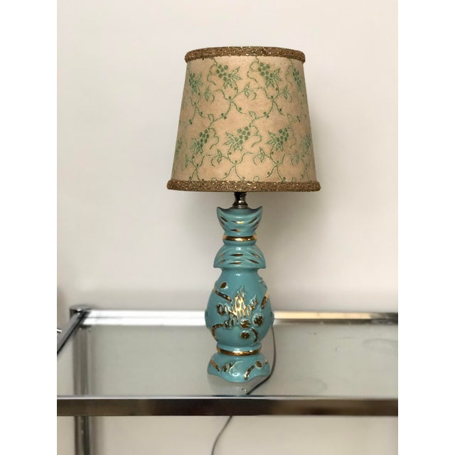 Turquoise Midcentury Turquoise and Gold Table Lamp With Original Floral Shade For Sale - Image 8 of 8