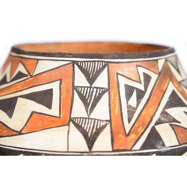Antique Native American Polychrome Pottery Jar Acoma For Sale - Image 4 of 9