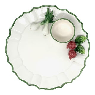 Fluted Round Scallion Chip and Dip with Green Edge For Sale