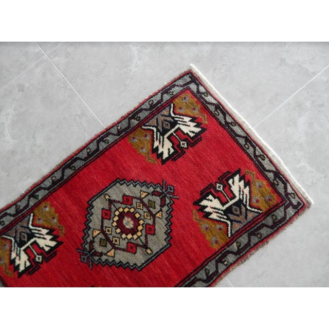1970s Small Turkish Accent Rug For Sale - Image 5 of 8